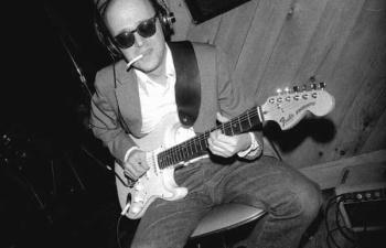 Rob Q w guitar